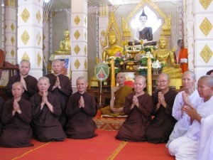 Thai and Malaysian nuns