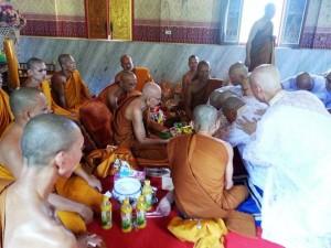 monk-ordination04a