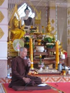 KhunMae-Wesak2010atLampang